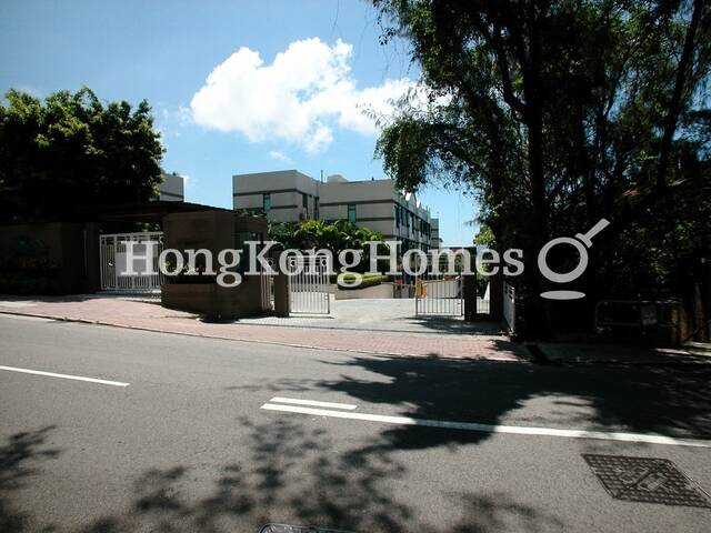 Stanford Villa properties, apartments for Sale