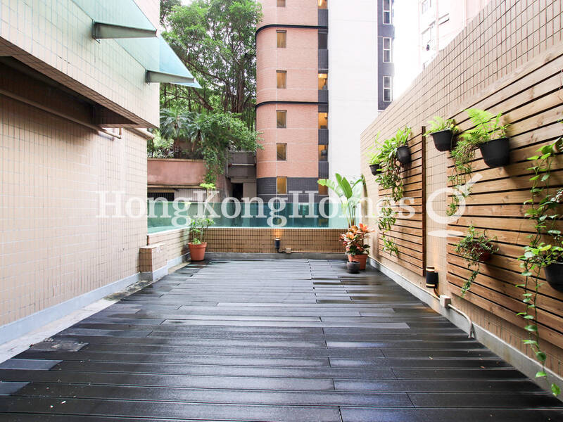 Huge Private Terrace in Great Midlevel's Location
