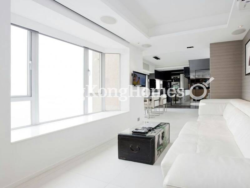 Harbour View Duplex Penthouse with Open Kitchen